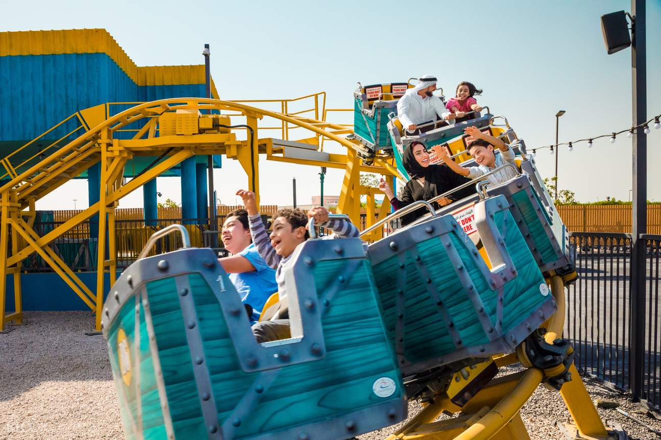 Roller coaster bollywood park